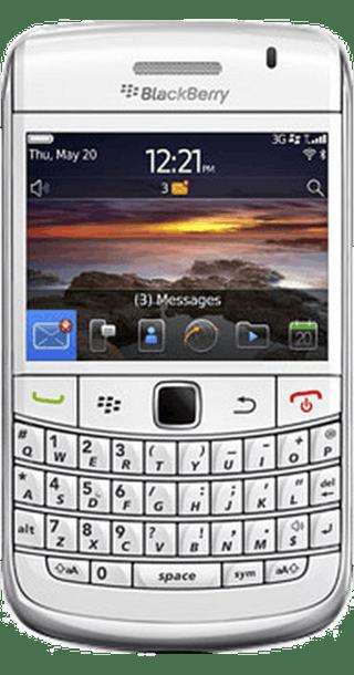 BlackBerry Bold 9780 White front