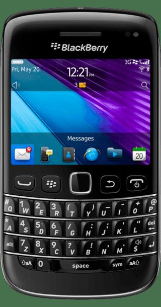 BlackBerry Bold 9790 front
